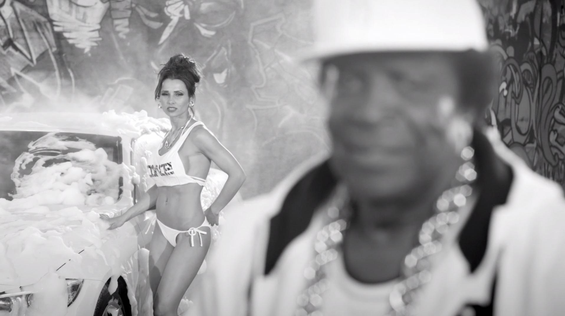 Sixt feat. Roberto Blanco - Ein bisschen Spar'n muss sein - Costume Design